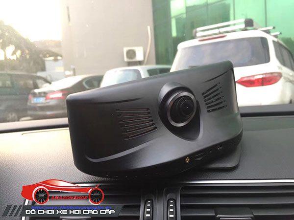Camera hành trình 4G mã 782 đặt taplo đế xoay 360 độ, màn 8 inch
